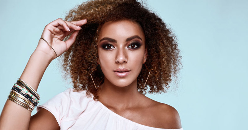 Read more about the article How to Have a Successful DevaCurl Haircut Appointment