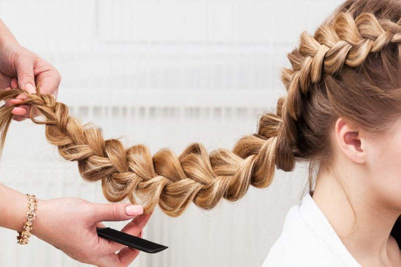 Read more about the article Quick and Easy Heatless Hairstyles to Give Your Hair a Break